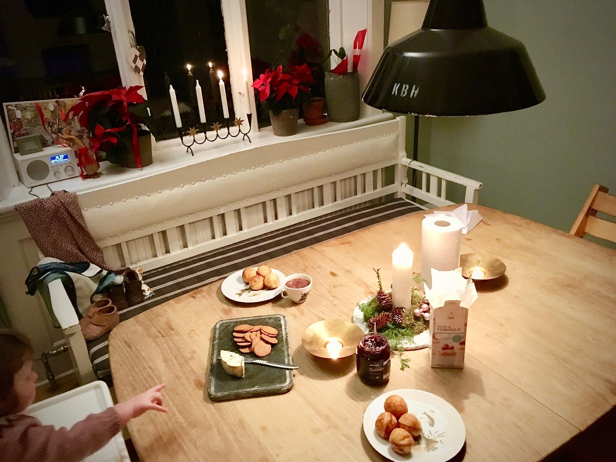 adventshygge med svensk julesnak