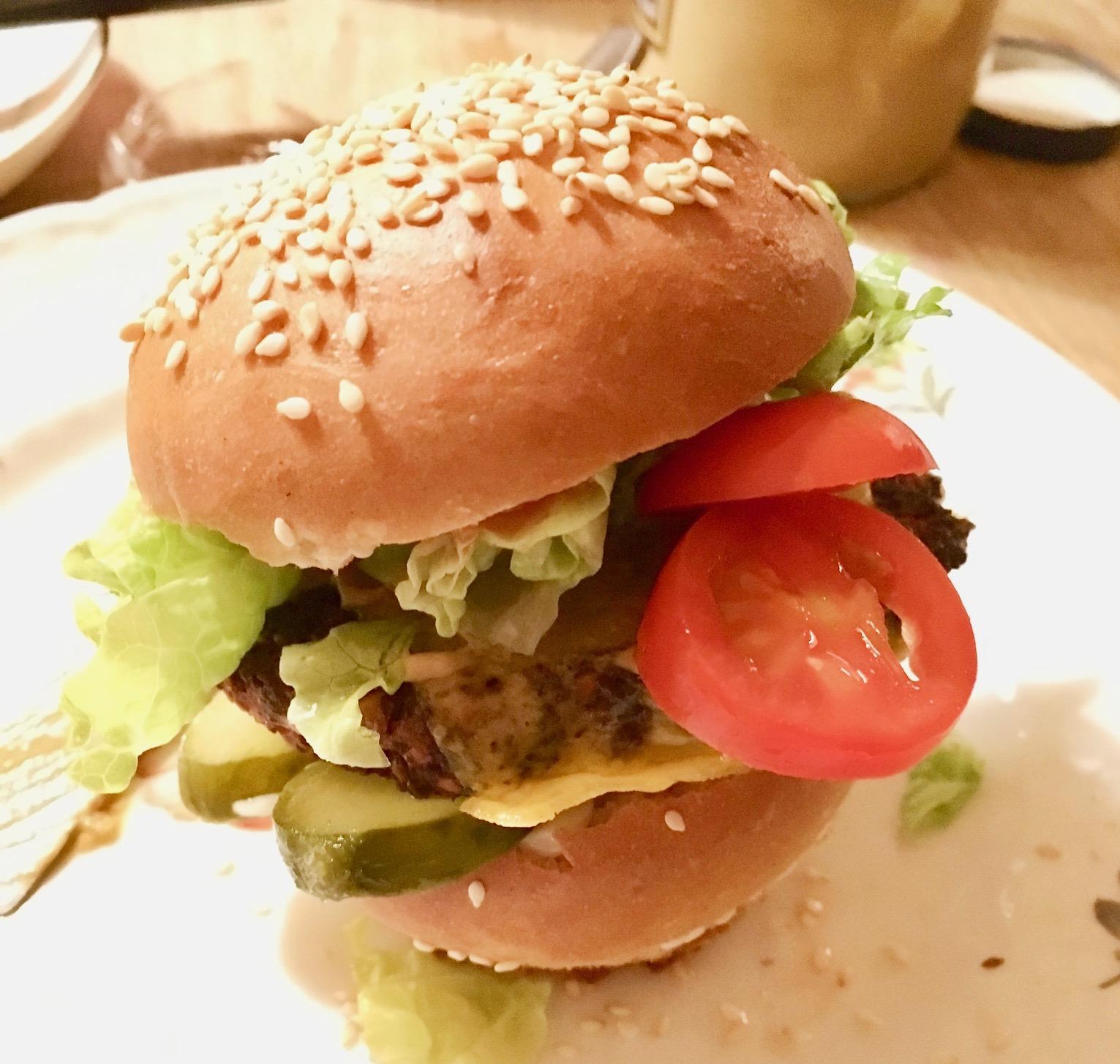 vegetarburger med rødbedebøf