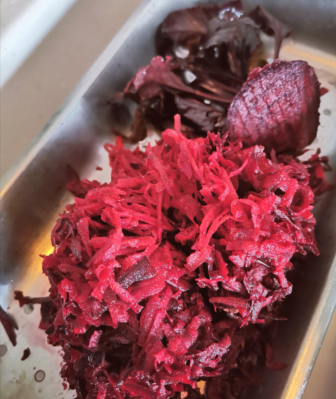 opskrift på rødbedebøffer med revne rødbeder